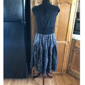 Adrianna Papell Dresses - Adrianna Papell Full Skirt Cocktail Dress Size 14